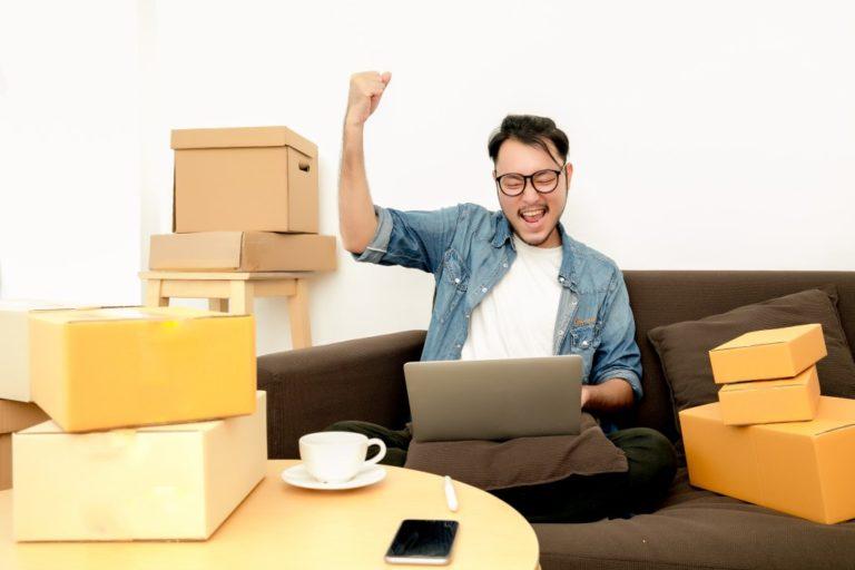 Man selling online